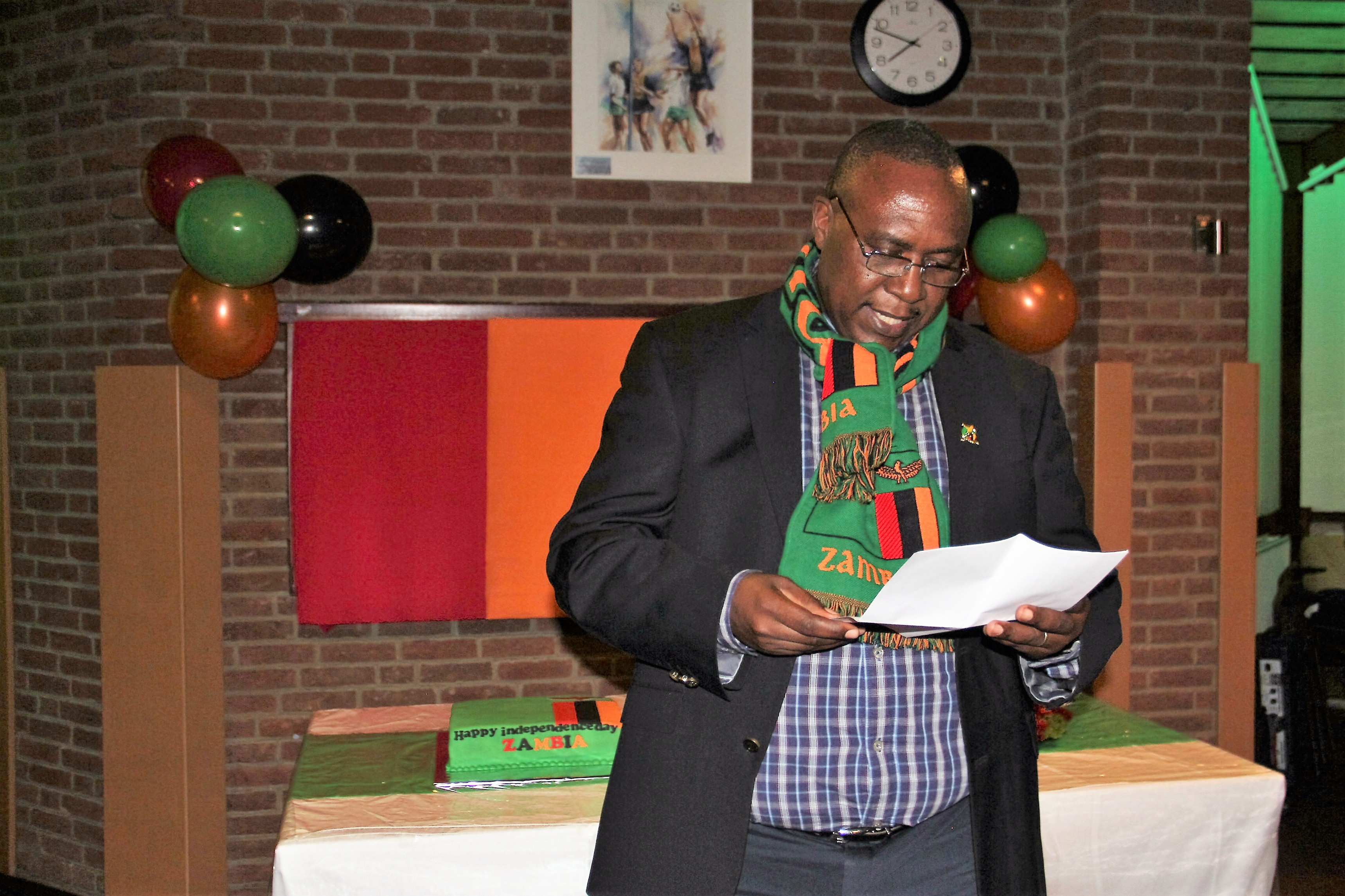 http://zebru.org/images/defense%20attache%20col.%20simwanda%20addressing%20zambian%20diasporas%20during%2052nd%20independence%20celebrarions%20in%20the%20netherlands.jpg