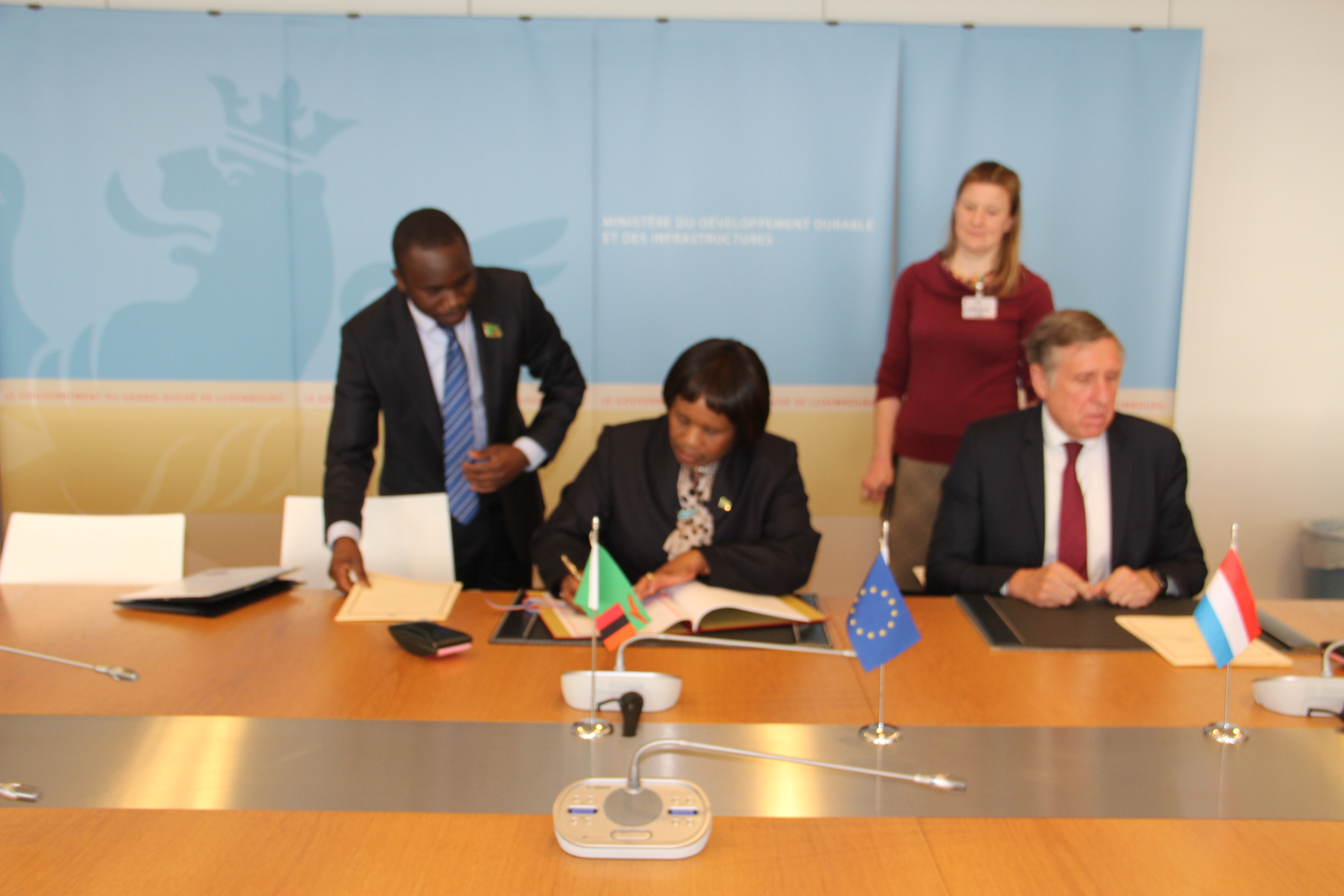 http://zebru.org/images/h.e%20ambassador%20kabwe%20%20her%20luxembourg%20counterpart%20mr%20bausch%20signing%20the%20bilateral%20air%20service%20agreement%20in%20luxembourg.jpg